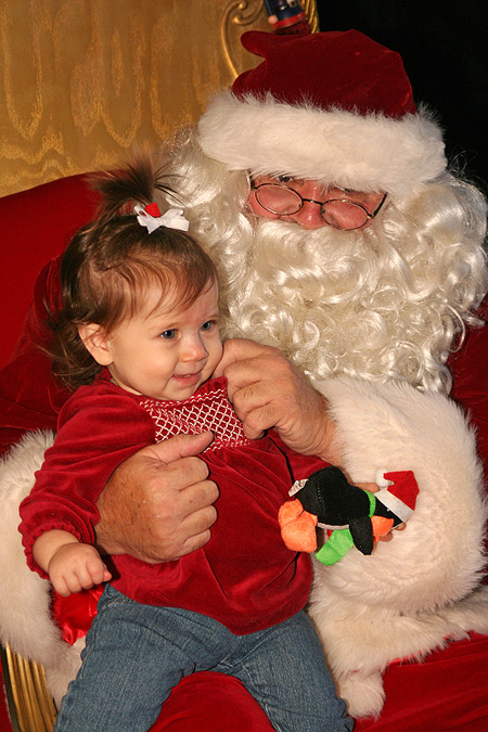 Laney Meets Santa for the First Time